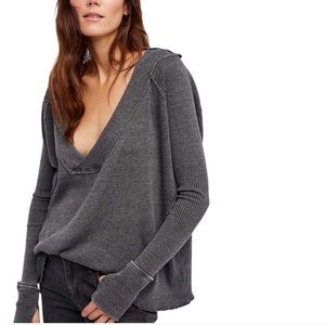 Free People Oceanview Plunging V-Neck Grey Top ❣️